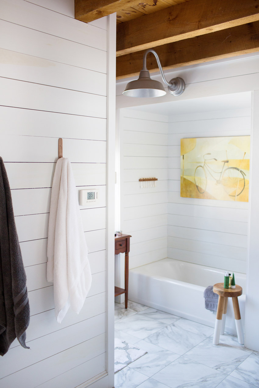 Shiplap In The Bathroom Draw The Eyes Up In This Maine Home On Design*Sponge