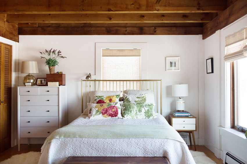 A Maine Master Bedroom With Historic Details Seen On Design*Sponge