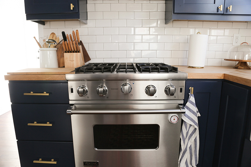 A New Gas Stove Was Added To This Renovated Michigan Home See The Full Before And After On Design*Sponge