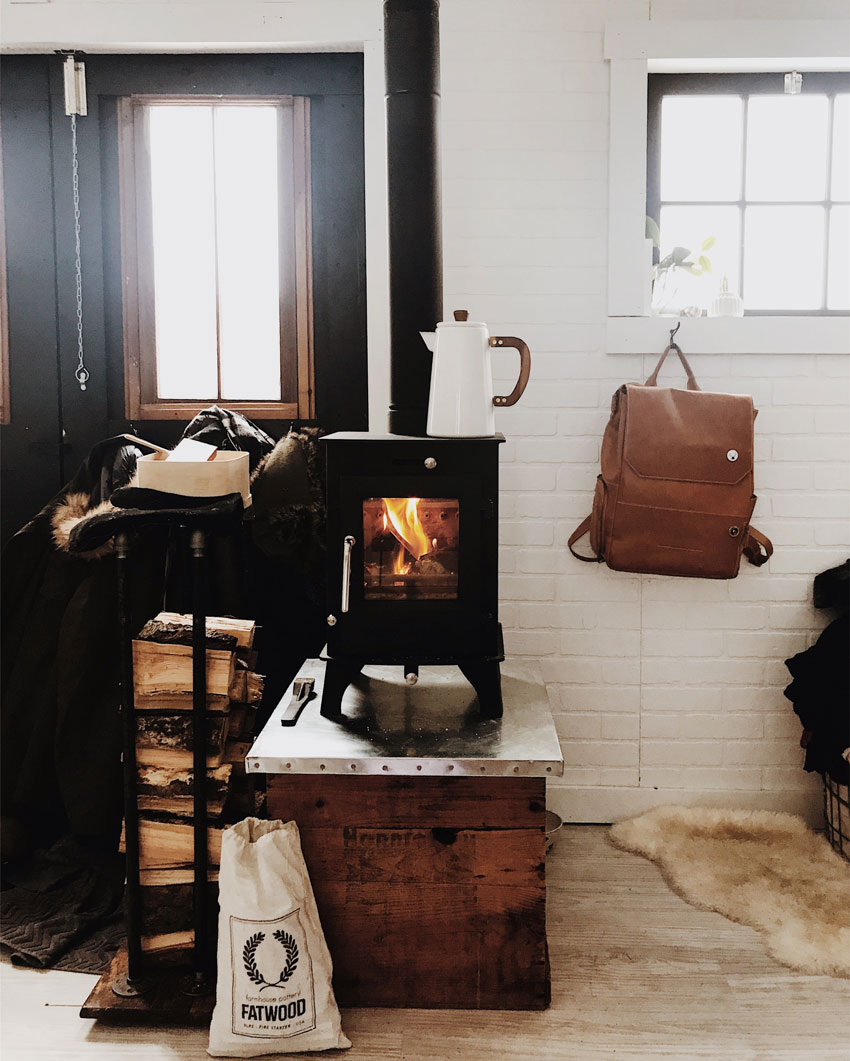 A Wood Stove Makes The Dry Cabin Bearable In The Vermont Winter Tour On Design*Sponge