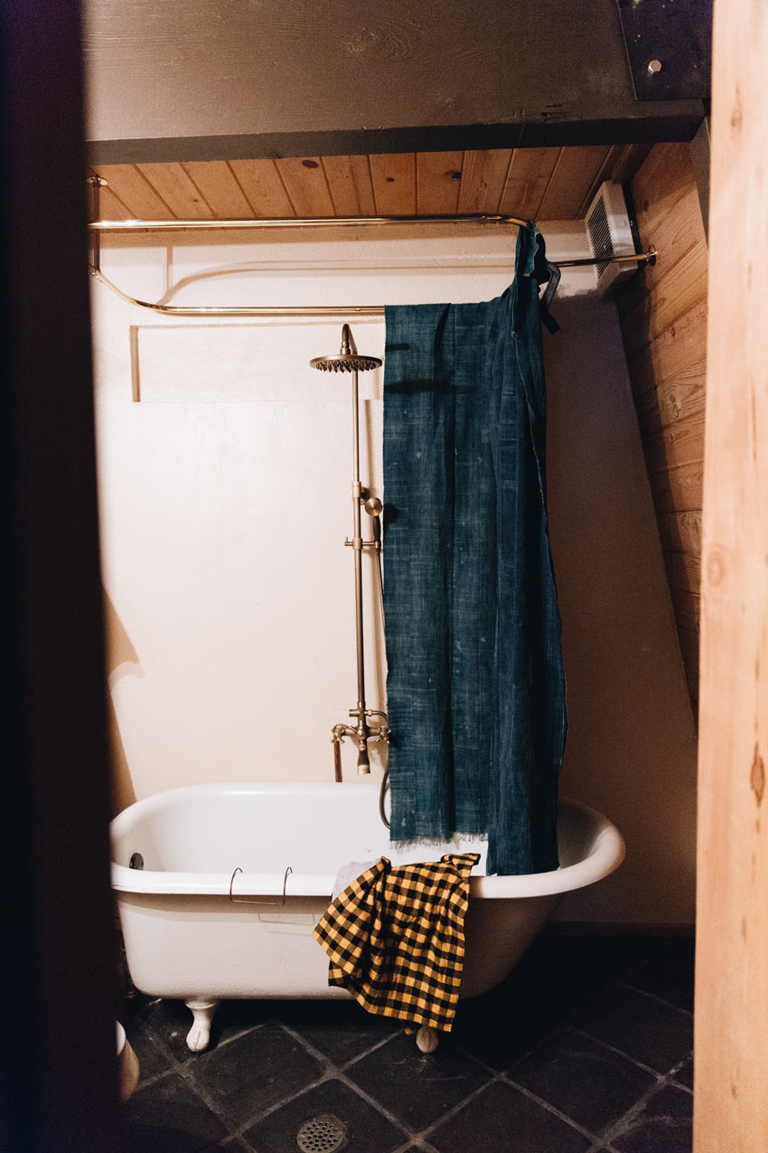 The Cabin Bathroom Features A Vintage Clawfoot Tub Tour On Design*Sponge
