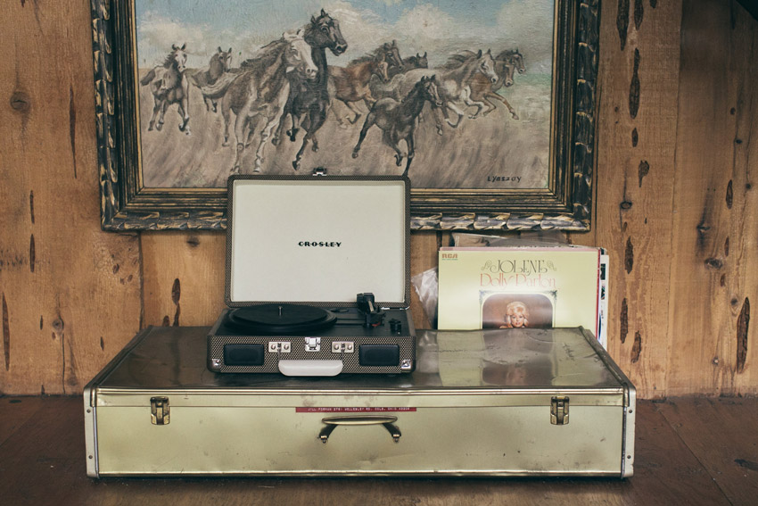 A Record Player Station Allows Guests To Play DJ In This Cabin In The Mountains Near LA Tour On Design*Sponge