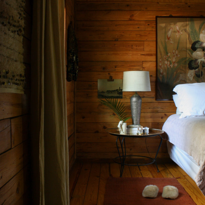 In Arkansas, A Couple's Log Cabin in the Heart of a Fishing Resort