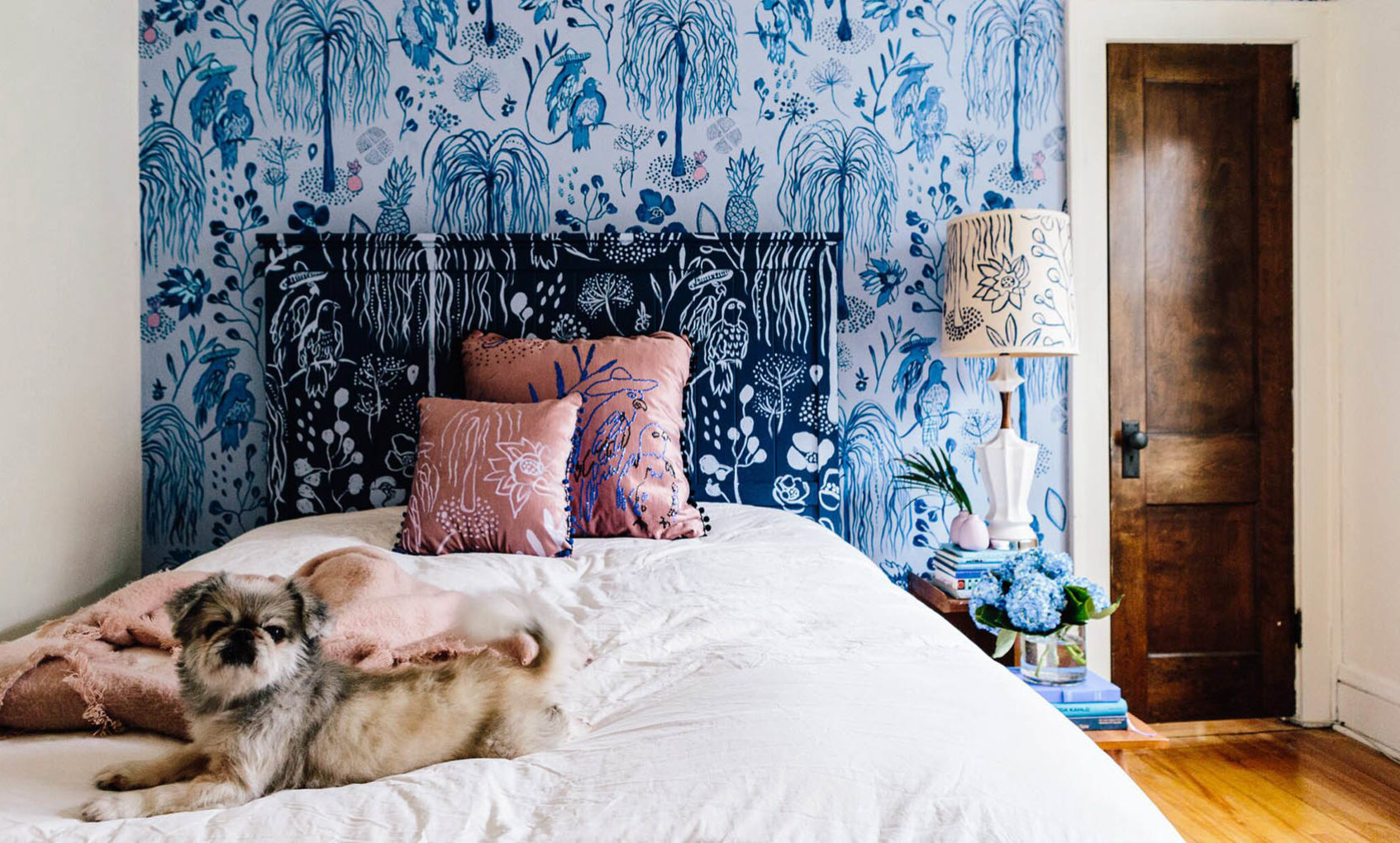 She She Hand-Painted Wallpaper