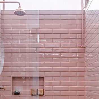 We Love Pink Tiled Bathrooms (xoxox)