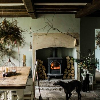 Inside a Florist's 1850s-Era English Cottage