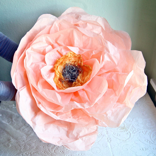 Top 20 Diys Of All Time 2 Giant Paper Flowers From Ruche